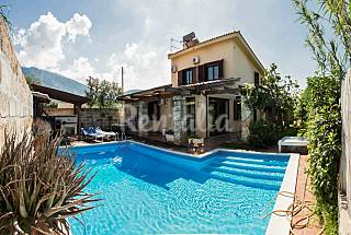 Villa for rent only 700 meters from the beach Palermo