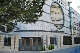 Spectacular Beachfront Apartment in Mare Nostrum, Marbella for rent or sale! Málaga