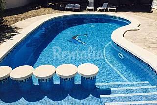 Se alquila Villa junto al mar con piscina privada Tarragona