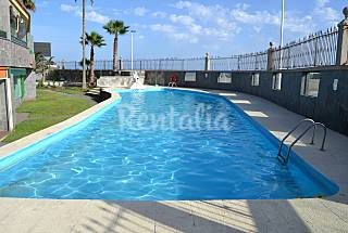 Apartment with 2 bedrooms on the beach front line Gran Canaria