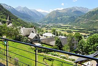 Cozy chalet 3 km from the slopes Hautes-Pyrenees