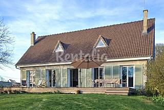Elegant family home with own pond Yvelines