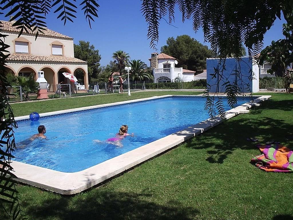 Apartamento en alquiler en tarragona parque de montroig for Apartamentos jardin playa larga tarragona