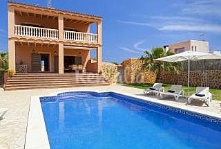 Villa with 4 bedrooms only 1000 meters from the beach Ibiza