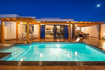 Villa con 4 stanze a 800 m dalla spiaggia Lanzarote