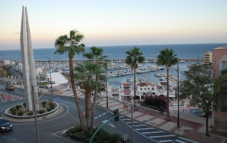 Charming Piso Vistas Al Mar Wifi Parking Aguadulce Roquetas   Cartelera Terrazas  Aguadulce .