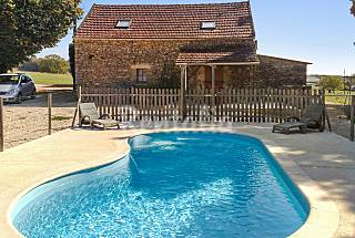 Traditional house with swimming pool Dordogne