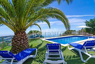 Villa for 10 people 3 km from the beach Girona