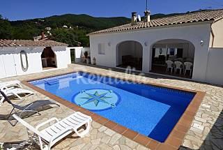 Villa pour 6 personnes à 4 km de la plage Gérone
