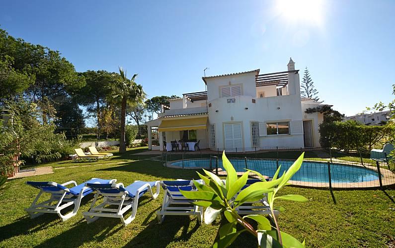 Vilamoura 4 bed room Villa facing the Golfe Algarve-Faro - Garden