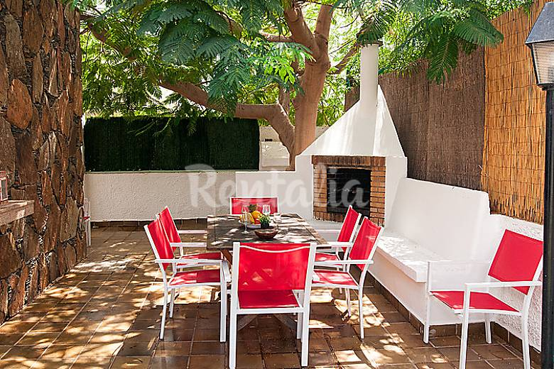 Villa en alquiler con piscina campo internacional san - Villas en gran canaria con piscina ...