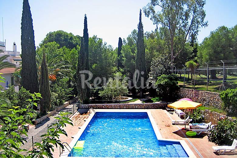 Casa en alquiler con piscina segur de calafell calafell for Camping con piscina climatizada en tarragona
