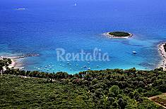 Villa for rent on the beach front line Istria