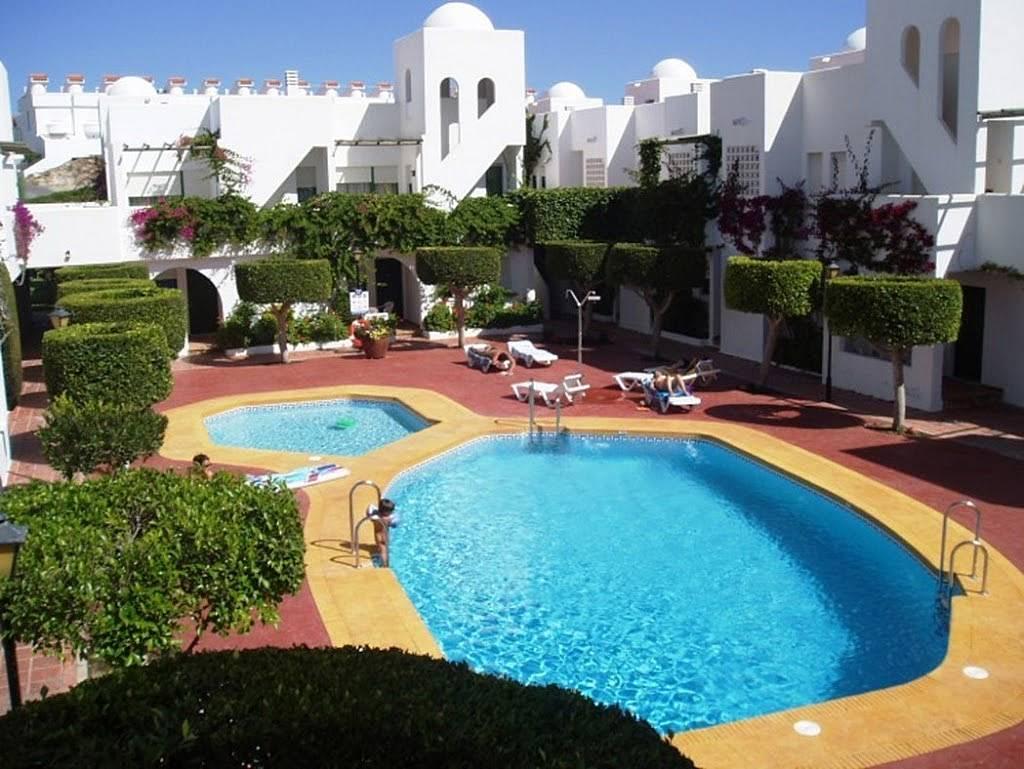 Apartamento en alquiler en vera playa puerto rey vera for Apartamentos en vera almeria