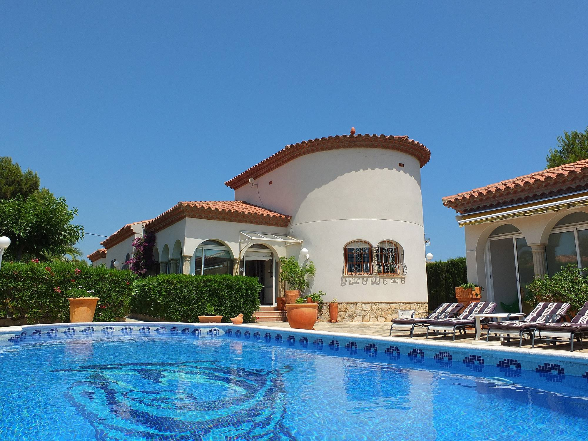 Villa en alquiler a 3 km de la playa tres calas l for Pisos alquiler ametlla de mar