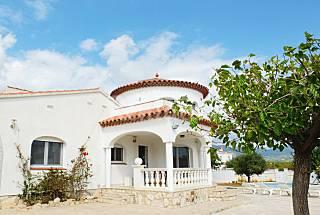 Magnifica villa con piscina privada, wifi Tarragona
