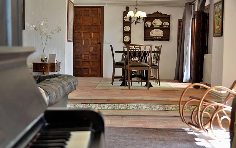 Casa Salón Cuenca Valdetórtola Casa en entorno rural - Salón