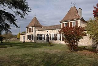 Castillo con jardín cerrado Dordogne