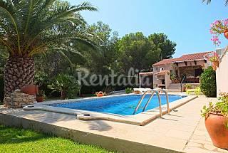 a 100m de la playa, con piscina, wifi y aire ac Tarragona