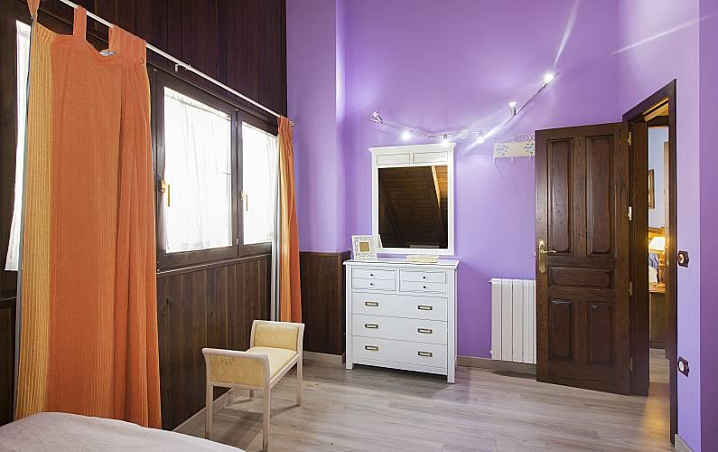 2 Bedroom Huesca Sallent de Gállego House - Bedroom
