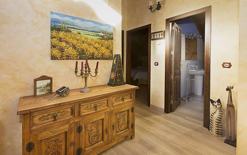 2 Indoors Huesca Sallent de Gállego House - Indoors