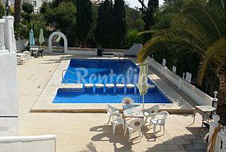 nice house near the sea with wifi and canal + Alicante