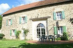 Apartamento para 7 pessoas em Saint-Priest-la-Feuille Creuse