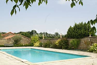 Appartement en location vienne lencloitre vienne for Piscine de lencloitre